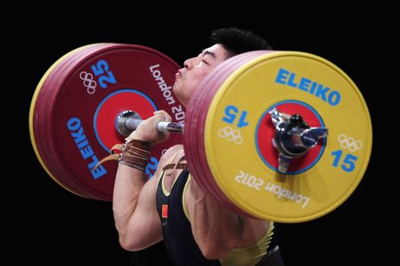 Yong Lu cleaning 205kg (451lbs)